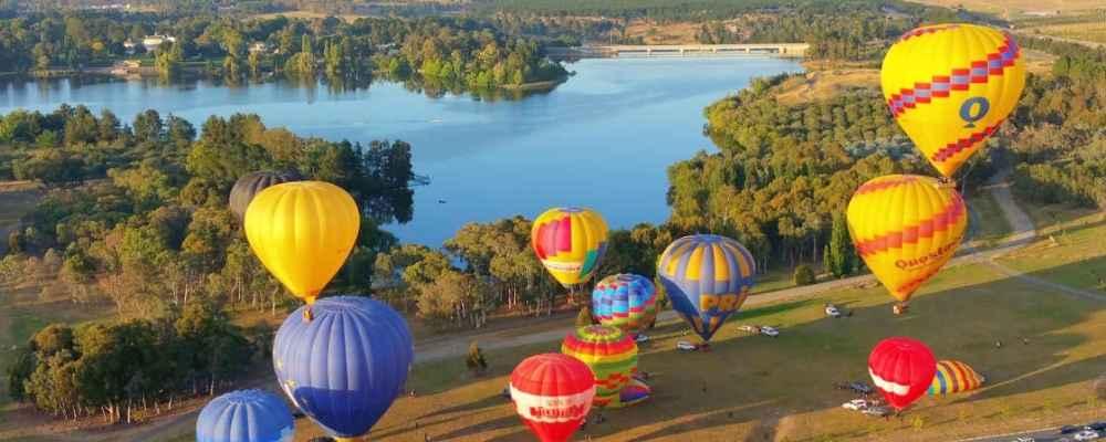 Hot air balloon flight over Canberra